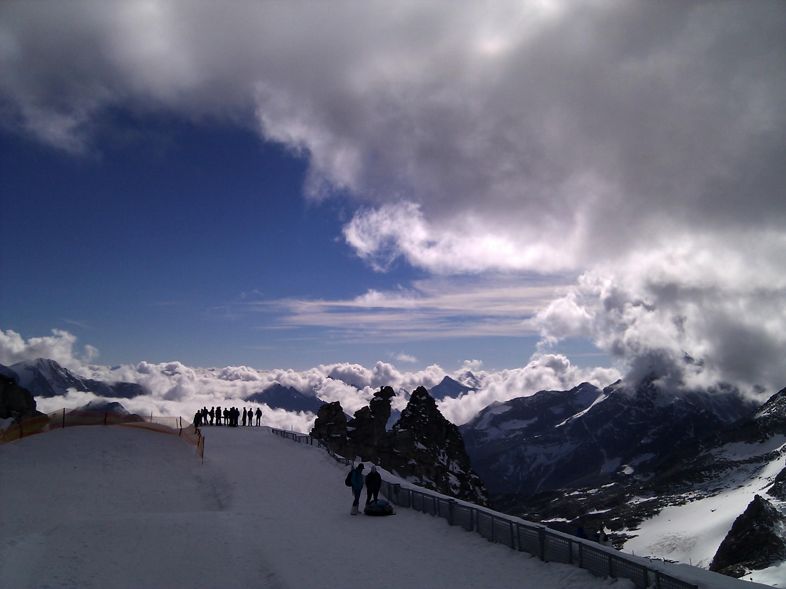 Blick von der Gipfelstation des Gletscherbus 3, an der Gefrorenen Wand, Richtung Süd-Westen.