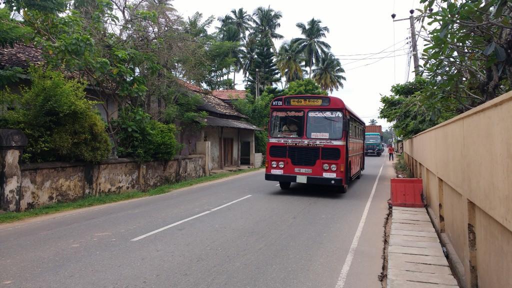 2015-12-17_SriLankaBus-001